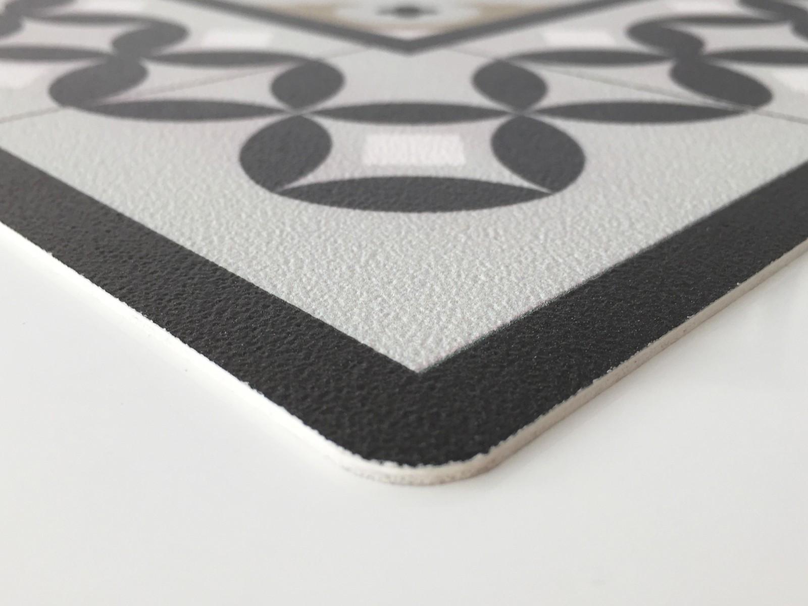 Tapis Vinyle Carreaux Ciment Alcazar Noir