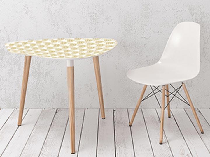 crédence décorative imperméabilisée sur table