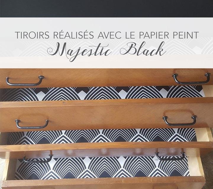 Tiroirs relookés avec le papier peint Majestic Black