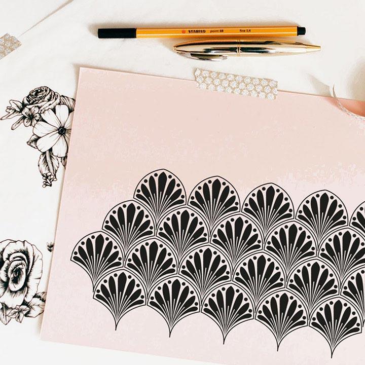table de dessin avec design Lotus
